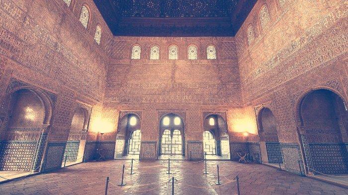 el salon de embajadores alhambra granada