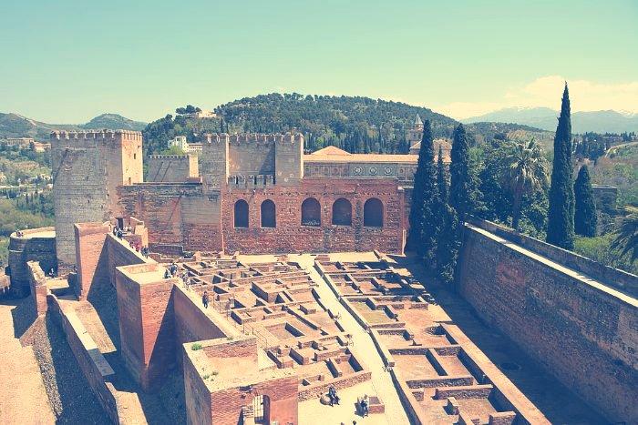 Barrio Castrense Alhambra. Restos del barrio castrense de la Alcazaba de la Alhambra