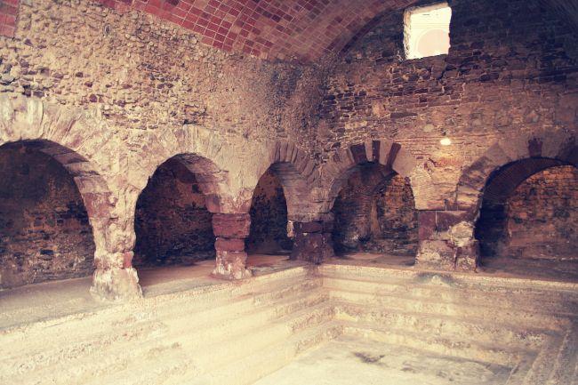 Antiguas telmas romanas. Los Baños Reales. Los Baños Árabes